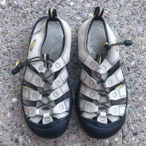 Keens Suede Hiking Sandal Women's Size 8 1/2